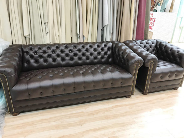 leather-sofa-tufted